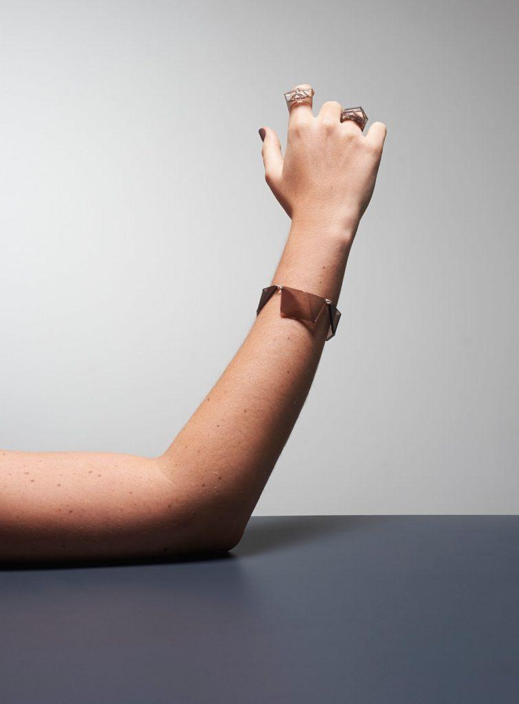 Mell: pulseira e anéis