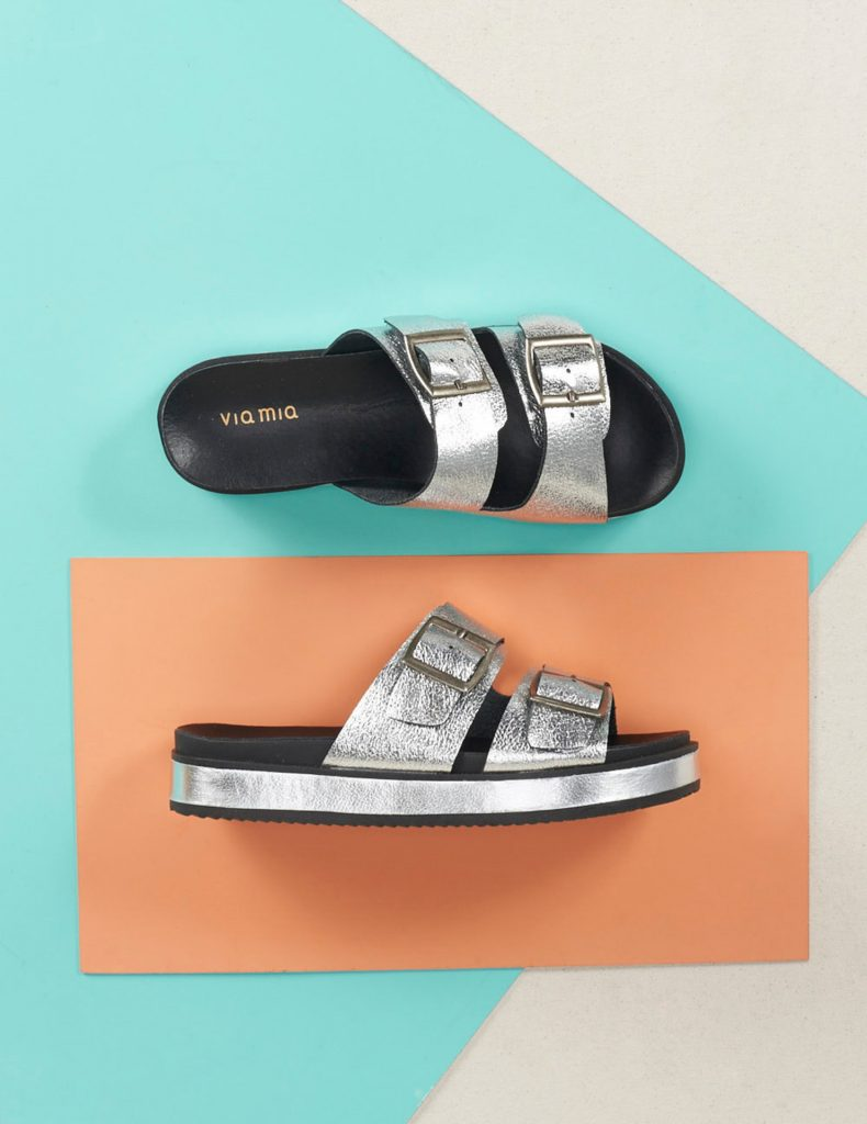Via Mia: sandália cromada